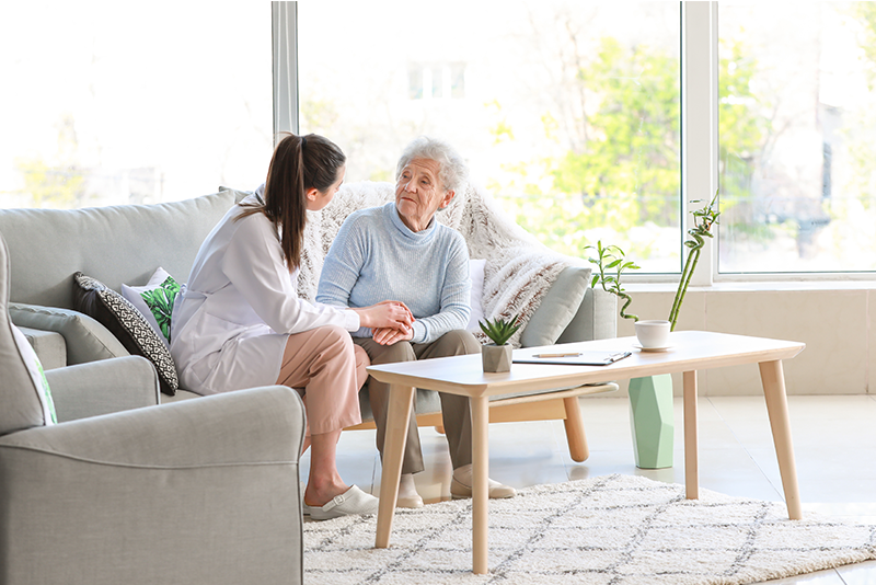 3 Helpful Tips for Choosing Between Assisted Living and Home Care